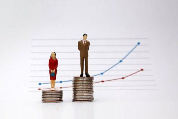 Stipendi, le donne nei cda guadagnano il 70% in meno dei colleghi maschi